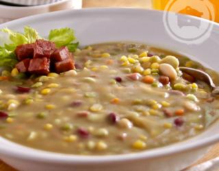 Slow Cooker Louisiana Bean Soup