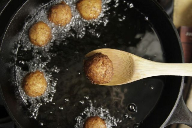 Frying Blackeye Pea Fritters