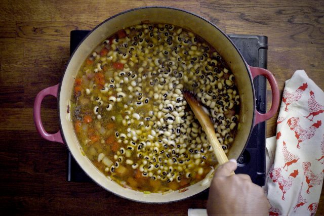 Southern Blackeye Peas cooking